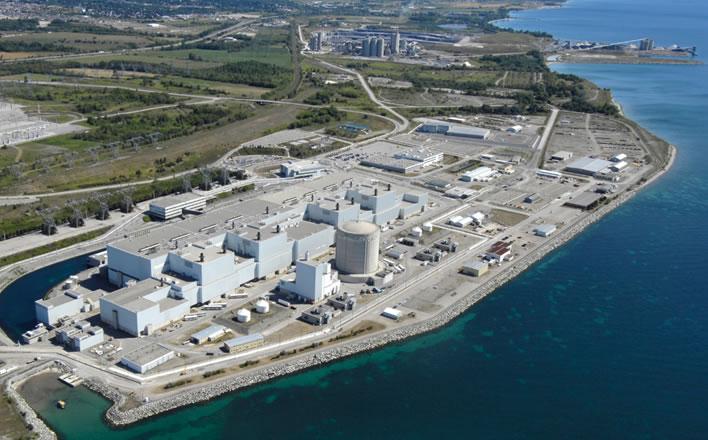 Vue aérienne de la centrale nucléaire de Darlington, à Clarington (ON)