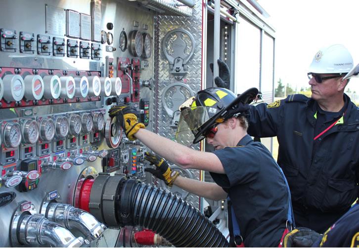 Pompiers à la centrale nucléaire de Point Lepreau