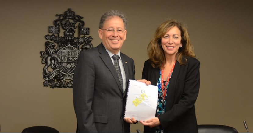 Dr. Michael Binder, President and Chief Executive Officer of the CNSC and IPPAS team leader Nancy Fragoyannis, from the United States Nuclear Regulatory Commission.