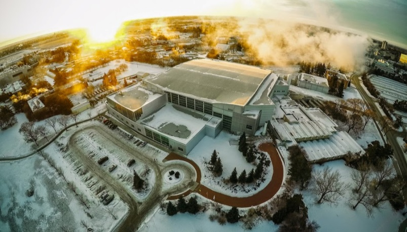This picture shows an aerial view of the Canadian Light Source Inc. facility, which is located on the University of Saskatchewan campus in Saskatoon, SK
