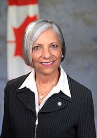 Photo de Mme Rumina Velshi, présidente et première dirigeante de la Commission canadienne de sûreté nucléaire
