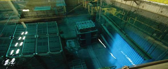 Image du    stockage en piscine à la centrale nucléaire de Bruce