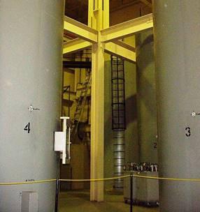 Image    d'une vue interne de l'entreposage du combustible à Gentilly-1