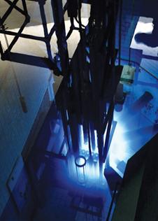 Image de    la piscine du réacteur nucléaire de recherche McMaster